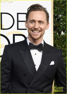 Tom Hiddleston in a Gucci tux, at Golden Globes 2017