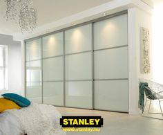 Beépített szekrény tejüveg Stanley tolóajtóval 2