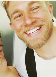 Charlie Hunnam what a beautiful smile. Most Beautiful Man, Gorgeous Men, Beautiful Smile, Charlie Hunnam, Charlie Sons Of Anarchy, Cute Celebrities, Celebs, Sexy Beard, Good Looking Men