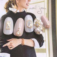 15 Wedding Nail Art Designs For Brides – My hair and beauty Pearl Nails, Gem Nails, Hair And Nails, Orange Nail Designs, Nail Art Designs, Japan Nail Art, Posh Nails, Asian Nails, Nail Jewels