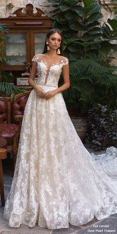 Eva Lendel Wedding Dresses 2018 klaris #wedding #weddingideas #dresses #dpf #deerpesrlflowers See more ❤️ #green #weddingideas #wedding #dpf #deerpearlflowers See more ❤️ http://www.deerpearlflowers.com/off-the-shoulder-wedding-dresses/