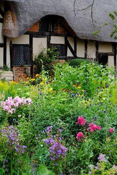 *Historic Stuff: Anne Hathaway's Cottage, Shottery, nr Stratford-upon-Avon, Warwickshire