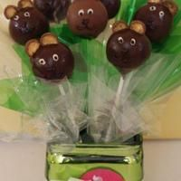 Teddy bear cake pops by PopCakes of Canberra.