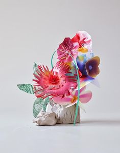 Exploring the language of Flowers is a project created by two talents photographers. The photographic duo Barbara Metz and Eve Racine. Paper Crafts Origami, Paper Crafts For Kids, Scrapbook Paper Crafts, Kids Scrapbook, Diy Paper, Faux Flowers, Pretty Flowers, Paper Flowers, Kenzo