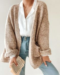 Fashion Ideas College – Fashion Ideas College Source by angie_winkler – - casual outfits Winter Fashion Outfits, Fall Winter Outfits, Autumn Winter Fashion, Summer Outfits, Casual Outfits, Casual Jeans, Casual Sweaters, Autumn Cozy Outfit, Winter Teacher Outfits