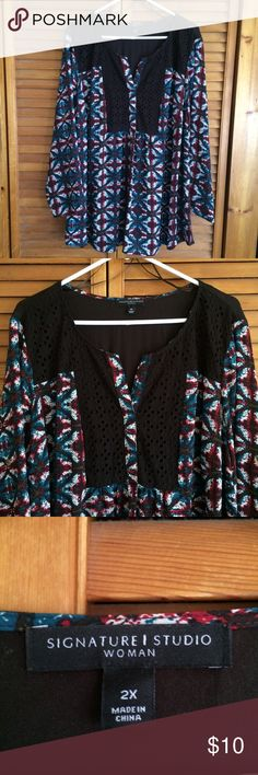 Signature Studio Plus Size Patterned Blouse Signature Studio brand | Size: 2x | Polyester blend | Vneck line | Flowy body | Zero flaws | Tags: #signaturestudio #patternedtop Signature Studio Tops Blouses