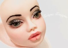 i just wanted to show you my new sugar paste face …. it is 5 cm high …free hand modeling
