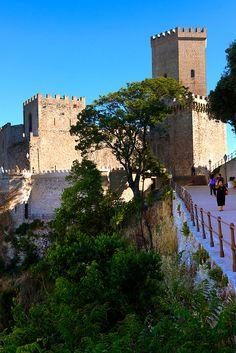 Toretta Popoli and the Castello di Vénere [ Venere ] Érice, Erice, Sicily