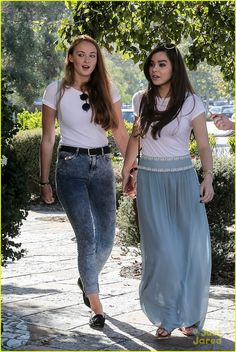 Hailee Steinfeld & Sophie Turner Walk Hand-in-Hand While Hanging Out in Malibu