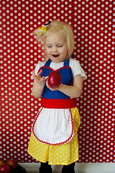 Childrens apron for girls Snow White inspired Princess childrens full apron dress up birthday kids apron  gift