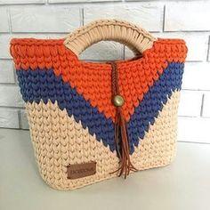 I Found These Elegant Crochet Bags . I Crochetbag - Crochet Tutorial - Best Knitting Crochet T Shirts, Crochet Tote, Crochet Handbags, Crochet Purses, Filet Crochet, Knit Crochet, Crochet Summer, Macrame Bag, Tapestry Crochet