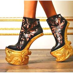 33 Best Scarpe Strane Strange shoes images | Me too shoes