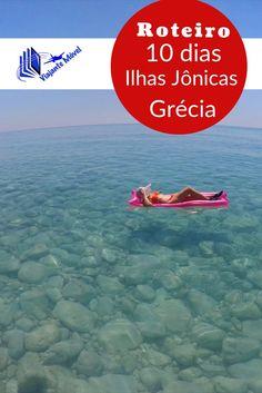 Ficar no meio do mar azul das ilhas Jônicas da Grécia , numa boia rosa é apenas uma das coisas que fizemos e contamos nesse post com todo nosso roteiro. Mais detalhes >>>