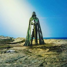 The NEW 'Gallos' sculpture in Tintagel. King Arthur looking down onto his castle ruins. What do you think?