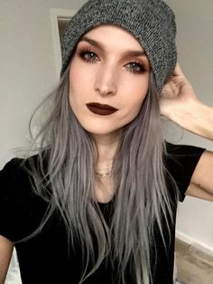 How to Prevent Grey Hair. Vitamins and Supplements that Reverse The Onset of Gray Hair. Natural Remedies to get Your Natural Hair Color Back. Grey Hair Looks, Gray Hair, Dark Grey Hair, Purple Grey, Blonde Hair, Dark Eye Makeup, Grunge Hair, Grunge Makeup, Pale Skin