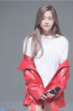 Red Velvet // Yeri