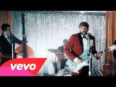 "Juan Luis Guerra estrena video de ""Tus Besos"""