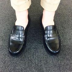 今日も暑いのでローファー 新喜皮革のコードバンで作られたJ.M.WESTON 180ローファーです I wear J.M.WEATON black cordovan signature loafer. #jmweston #ウエストン #signatureloafer #loafer #jmweston180 #新喜皮革 #shinkihikaku #leathershoes #cordovan #fashion #kicks #todayskicks #Tokyo #KOTD #YOLO #follow #like4like #l4l #tagsforlike #tflers #instagood #instadiary #instalike #instapic #instaphoto #madeinfrance #leathergoods #shoestagram #instashoes #shoeporn