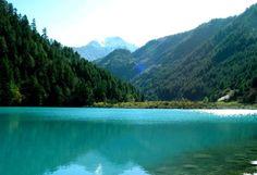 Dongting Lake, in northeastern Hu'nan province, #China #travel #charmingChina #beautifuldestinations #landscape