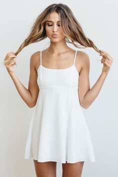 Stone Cold Fox || Mariposa dress in white