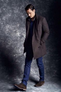 DALE Inspiration Dark Brown Wool/Nylon/Cashmere Overcoat, and Brown Waxed Chukka Boots. Sharp Dressed Man, Well Dressed Men, Fashion Moda, Mens Fashion, Stylish Men, Men Casual, Smart Casual, Looks Style, Men's Style