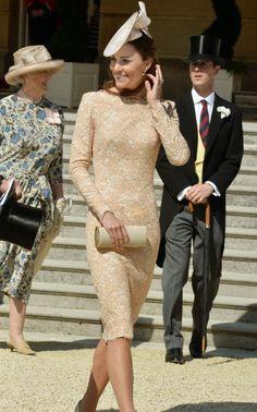 Buckingham Palace Garden party lace beige dress hat