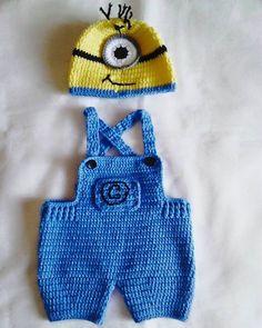 Crochet patterns for boys hats newborns super ideas Crochet Mittens, Crochet Slippers, Crochet Hats, Knit Crochet, Knitting Patterns Boys, Baby Patterns, Baby Knitting, Crochet Baby Clothes, Newborn Crochet