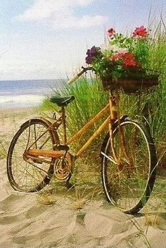 ❦ⓙⓤⓢⓣ ⓑⓔⓐⓒⓗⓨ!❦ / Beach Bike on we heart it / visual bookmark on imgfave Bicycle Art, Bicycle Basket, Bicycle Design, I Love The Beach, Old Bikes, Beach Cottages, Seaside, Coastal, Beautiful Places