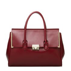I am always showing the beautiful bag I that somehow excited me. But not everyone, includin gme, can afford to drop $2000 on a handbag. But this bag, featured on Shoe Dazzle Stylists is a great looking bag. No, it's not leather but it is affordable. This one, the Kero by Signature is only $59.95. Check out shoedazzly.com and their stylist feature is fun!