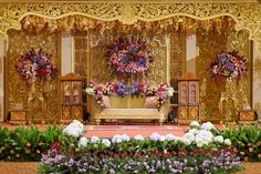 Dekorasi adat Palembang di Grand Ballroom Sasana Kriya - www.thebridedept.com