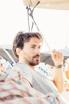 Ο Δημήτρης Λαγιόπουλος μιλά για το project που από τις 9-16 Ιουλίου θα υποδεχτεί όλους αυτούς που θέλουν να ζήσουν μια διαφορετική εμπειρία, γεμάτη ενέργεια και τις ωραιότερες στιγμές στα αιγαιοπελαγίτικα νερά. Party, People, Life, Receptions, People Illustration, Direct Sales Party, Folk