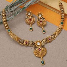 Gold Mangalsutra Designs, Gold Jewellery Design, Bridal Jewelry, Jewelry Gifts, Handmade Jewelry, Gold Bangles, Gold Necklaces, Moon Jewelry, Latest Jewellery