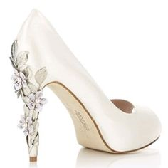 Shoe idea jessiemitch - I couldn't walk in heels this high in a million years, but they are gorgeous!!!