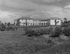 Indian High School, later Asian High School and now Jamhuri High School (sent by Rajni Shah) Kenya Nairobi, Mughal Empire, Classic Image, Hinduism, Incredible India, Historical Photos, Nostalgia, African, The Incredibles