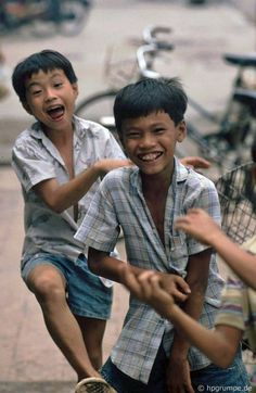 Hans Peter, Kids Photography Boys, South Vietnam, Mixed Race, People Of The World, Interesting Faces, Street Photography, Couple Photos, Beautiful