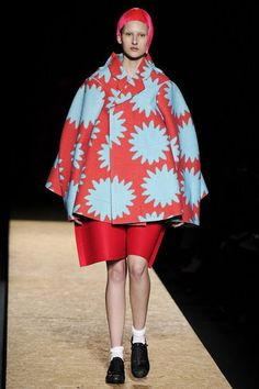 Comme Des Garcons Runway Fall 2012   omg, I'm DYING, here !