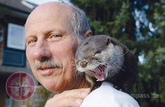Seit vielen Jahren hat die Familie von Dr. Wolfgang Gettmann in Hilden einen besonderen Mitbewohner: Kurzkrallenotter Nemo wurde kurz nach seiner