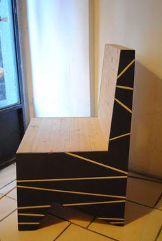 Poltroncina Patricia. Poltroncina in abete austriaco con linea novecentesca e decorazione contemporanea. di WoodnessDesign su Etsy