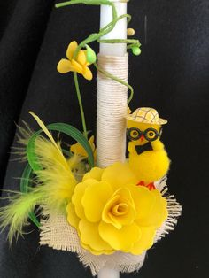 A very colorful candle, more for boys. A detailed one with burlap around the base, yellow flowers, yellow eggs and feathers. Yellow Candles, Palm Sunday, Candels, Easter Crafts, Yellow Flowers, Christening, Burlap, Projects To Try, My Etsy Shop