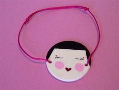 Tuto : bracelet kokeshi en plastique dingue