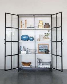 Kitchen Display Cabinet, Cabinet Decor, Ikea Glass Cabinet, Glass Cabinets, Black Display Cabinet, Glass China Cabinet, Metal Cabinets, Kitchen Buffet, Display Cabinets