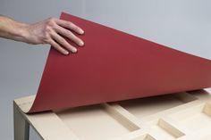 Un bureau au design signé Charlotte Juillard & Ludovic Avenel, un bureau pas comme les autres puisque l'on parle de bois souple, et c'est assez rare pour le souligner. Le bois on le…