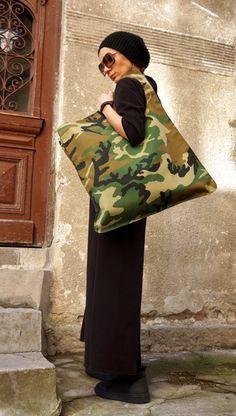 Items similar to NEW Camouflage Military Pattern Bag / High Quality Hydrophobic Fabric Tote Asymmetrical Large Bag by AAKASHA on Etsy, Diy Abschnitt, Camouflage, Diy Purse, Unique Bags, Fabric Bags, Cloth Bags, Handmade Bags, Beautiful Bags, Fashion Bags, Bag Accessories