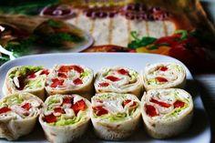 Roladki z Tortilli: TOP 15 Idealnych Przepisów na Przekąski Idealne na Imprezę! Vinaigrette, Risotto, Sushi, Tacos, Mexican, Ethnic Recipes, Food, Essen, Meals