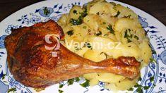 Jde o recept na pečená kachní stehna s měkkým šťavnatým masem a s krásně vypečenou křupavou kůžičkou. Pokrm podáváme s bramborami ve starodávné úpravě. Meat, Chicken, Food, Essen, Meals, Yemek, Eten, Cubs