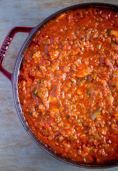 Spaghetti Sauce from Scratch Delicious SPAGHETTI SAUCE FROM SCRATCH. Once you taste this fabulous recipe for spaghetti meat sauce, you'll agree - it's the only homemade spaghetti sauce recipe you'll ever need! Perfect for serving with your favorite pasta. Spaghetti Sauce From Scratch, Best Spaghetti Sauce, Spaghetti Recipes, Pasta Recipes, Recipe For Spaghetti Sauce, Best Pasta Sauce Recipe, Ground Beef Spaghetti Sauce, Slow Cooker Spaghetti Sauce, Sausage Spaghetti