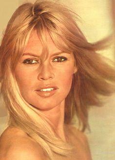 Brigitte Bardot Brigitte Bardot, Bridget Bardot, Marlene Dietrich, Beautiful Eyes, Beautiful Women, Greta, Alain Delon, French Actress, Rita Hayworth