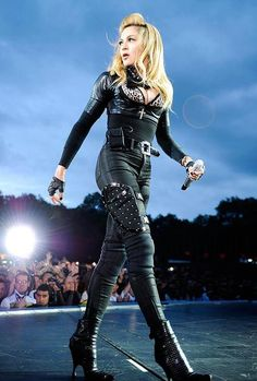 Madonna Virgen- Increible,Perfecta,Sublime.
