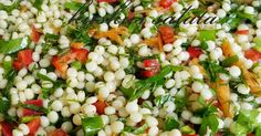 Ingredients: – 2 cups couscous pasta – 6 pieces green onions – 1 red pepper – Half bunch of parsley. Couscous Salad, Pasta Salad, Turkish Recipes, Ethnic Recipes, Appetizer Salads, No Cook Meals, Food For Thought, Vegetable Recipes, Salad Recipes