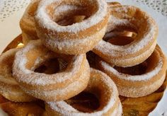 Roscas chilenas Chilean Recipes, Chilean Food, Mexican Bread, Recipe For Mom, American Food, Eclairs, Onion Rings, Sweet And Salty, Delicious Desserts